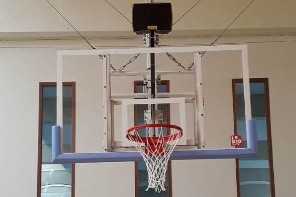 Replacement de 2 Buts de Basket centraux